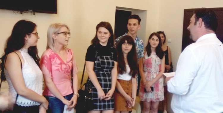 vreau sa fac cunostinta cu fete din Slatina)